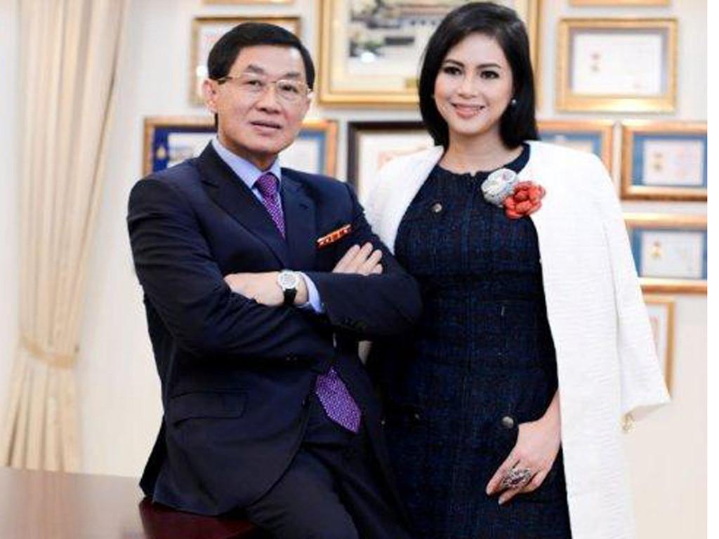 Chuyến bay định mệnh, vua hàng hiệu Johnathan Hạnh Nguyễn gặp trùm thời trang-1