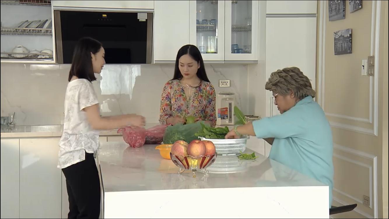 Nàng dâu order tập18: Ở đời chuyện quái gì cũng có thể xảy ra, Em gái mưa không hề đi nước ngoài mà ở Việt Nam làm công việc chẳng ai ngờ-5