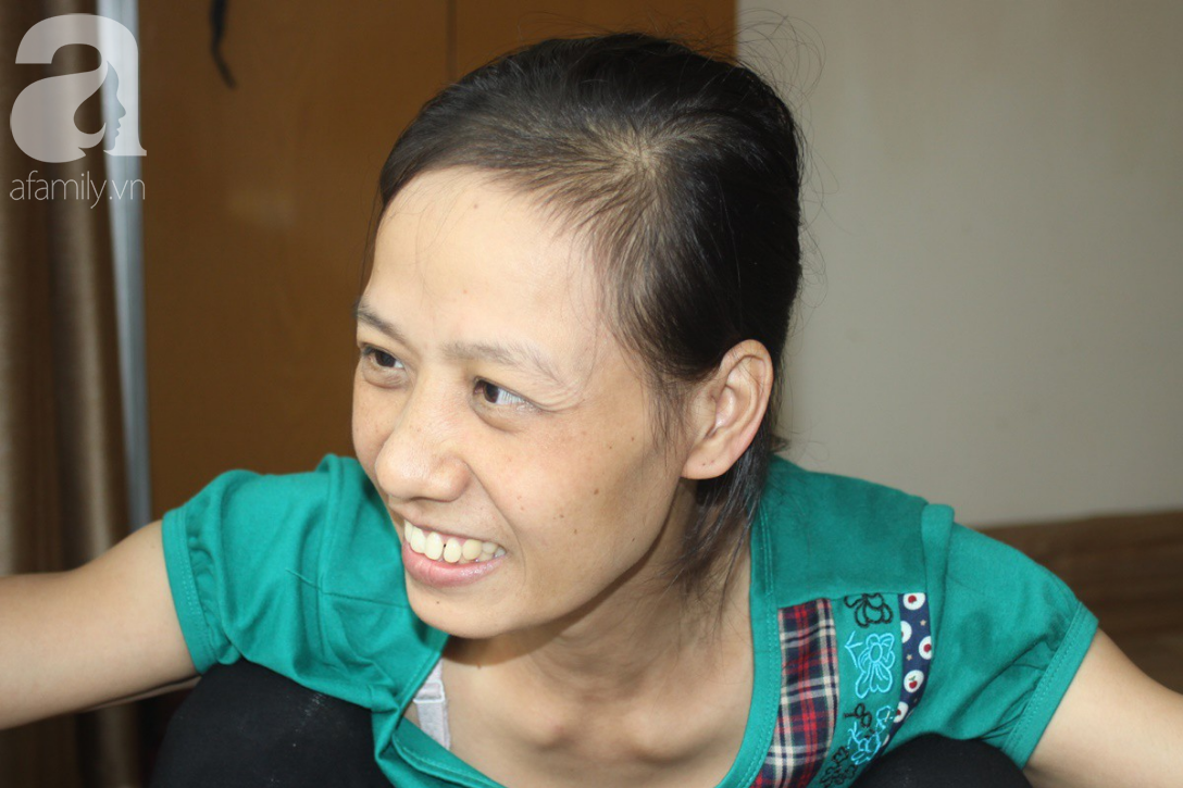Gặp lại người mẹ mang bầu 5 tháng phát hiện ung thư giai đoạn cuối, chấp nhận mù mắt để con gái nhỏ chào đời-1