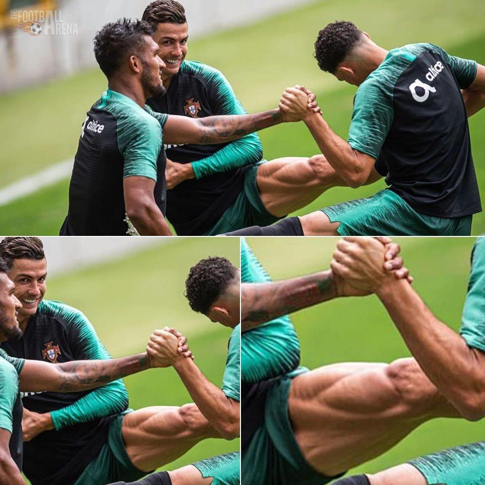Bồ Đào Nha tập trung chuẩn bị bán kết Nations League: Chẳng gì chiếm spotlight tốt bằng cặp giò vĩ đại của Cristiano Ronaldo-4