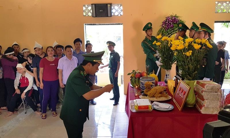 Nghẹn ngào tiễn đưa Thiếu tá biên phòng Thanh Hóa hi sinh khi bắt ma túy-1
