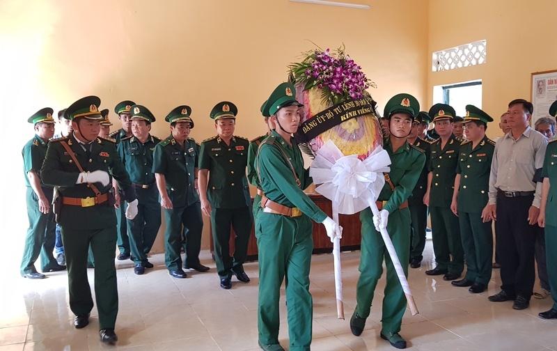 Nghẹn ngào tiễn đưa Thiếu tá biên phòng Thanh Hóa hi sinh khi bắt ma túy-5