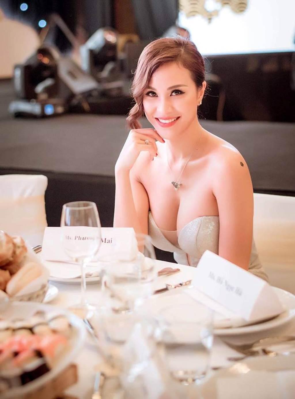 Bỏng mắt vì MC Phương Mai dáng chuẩn như vẽ sắp lấy chồng Tây điển trai-9