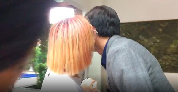Về nhà đi con dậy sóng: Lộ diện cô gái công khai hôn Vũ nhưng Thư lại không thể đánh ghen-3
