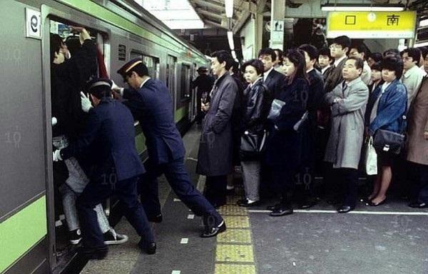 Từ nhặt tử thi đến xin lỗi hộ, đây là những nghề nghiệp kỳ quặc chỉ có ở Nhật Bản-2
