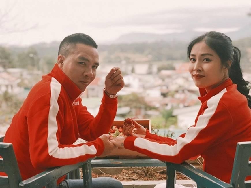 MC Hoàng Linh cùng bạn trai diện áo đôi trong loạt ảnh tình tứ tại Đà Lạt-5
