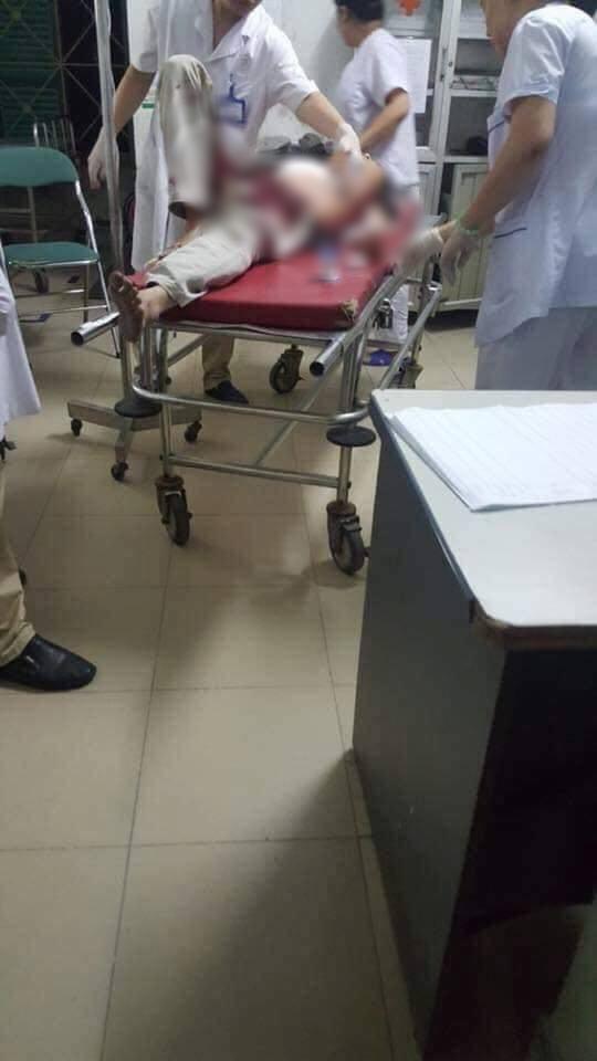 Hà Nội: Nam thanh niên dùng dao đâm bố mẹ vợ nhập viện cấp cứu-1