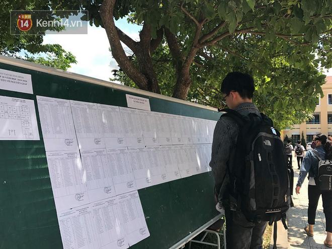 6400 học sinh Quảng Bình đội nắng 36 độ thi lại môn Văn: Quá vô lý vì lỗi của người ra đề và giám thị nhưng bọn em phải chịu trách nhiệm-2