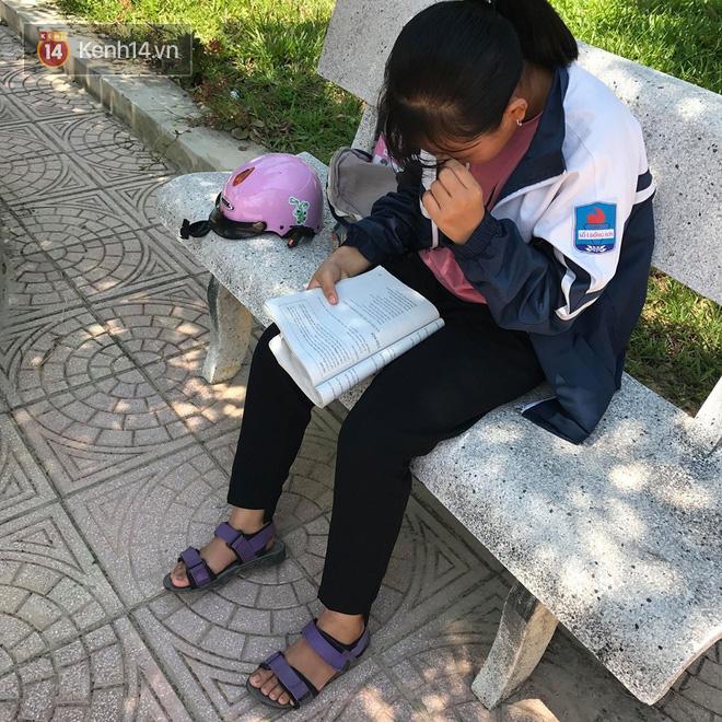 6400 học sinh Quảng Bình đội nắng 36 độ thi lại môn Văn: Quá vô lý vì lỗi của người ra đề và giám thị nhưng bọn em phải chịu trách nhiệm-6