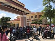 6400 học sinh Quảng Bình đội nắng 36 độ thi lại môn Văn:
