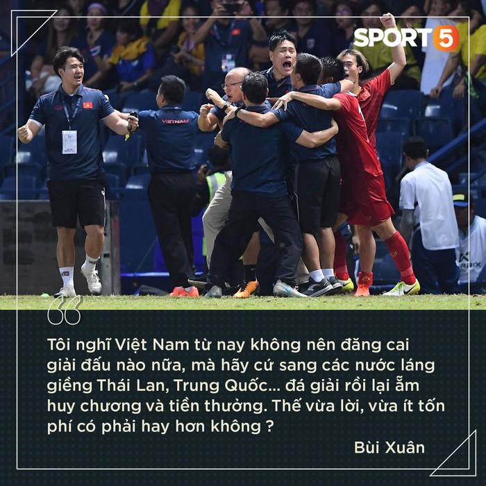Fan Việt gáy cực mạnh sau chiến thắng Thái Lan: Đọc xong chỉ có bò lăn ra cười-6