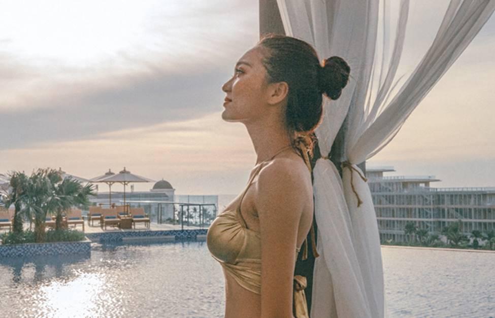 Bạn gái tin đồn của tiền vệ Văn Đức gợi cảm với loạt ảnh bikini-15