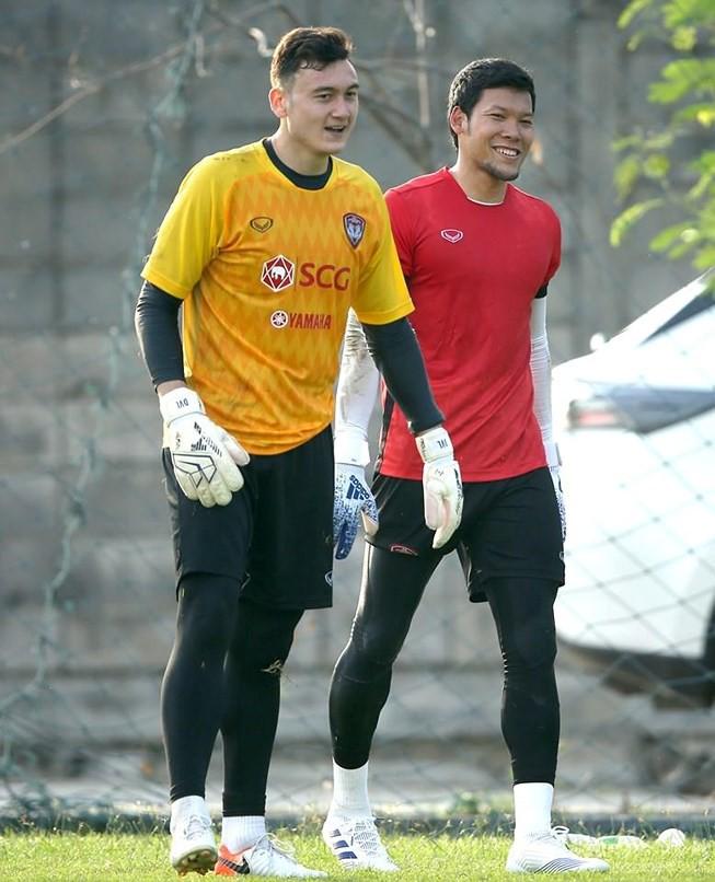 Thủ môn Thái Lan biếu bàn thắng cho ĐT Việt Nam: Tu luyện ở châu Âu, đắt gấp đôi Văn Lâm-1