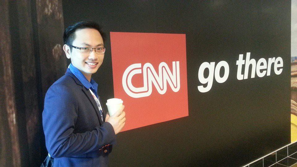 Thông tin cực hiếm về chú rể của MC Phí Linh: Phó trưởng phòng tiếng Anh, người đứng sau nhiều show đỉnh của VTV-7