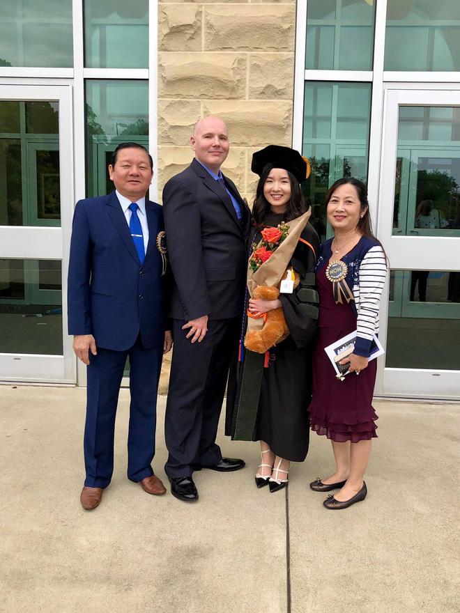Lần đầu tiên có nữ du học sinh Việt tốt nghiệp thủ khoa ngành Dược một trường Đại học lớn tại Mỹ-4