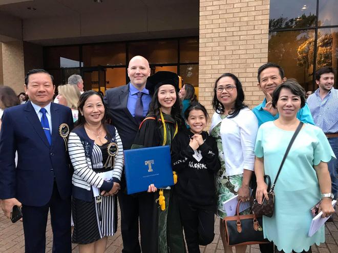Lần đầu tiên có nữ du học sinh Việt tốt nghiệp thủ khoa ngành Dược một trường Đại học lớn tại Mỹ-5