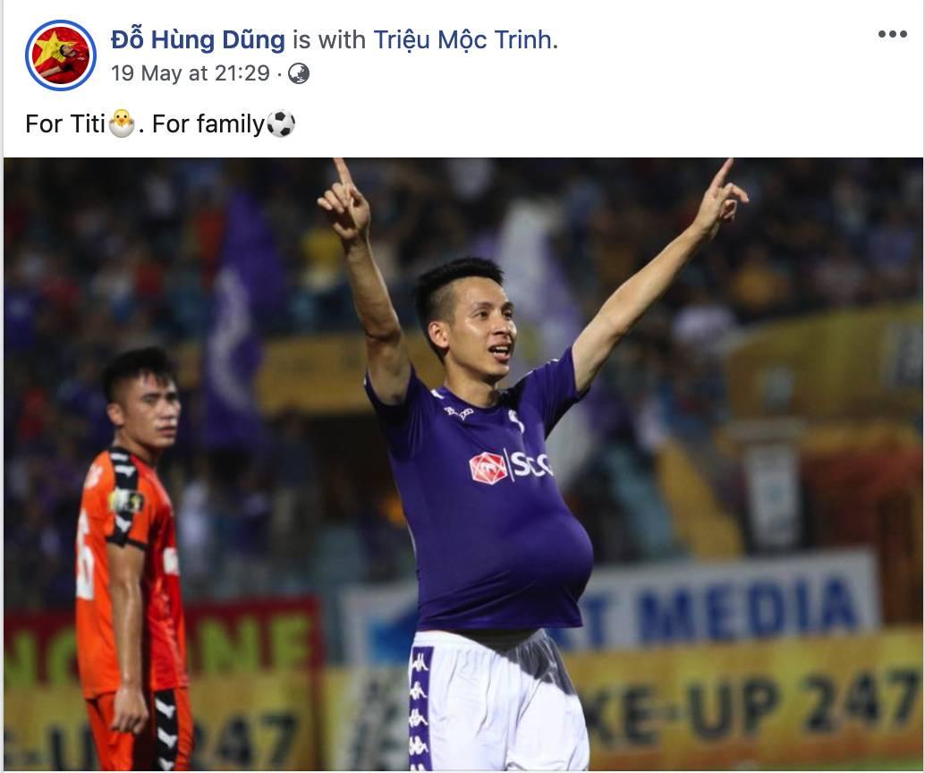 Hài hước: Tiền vệ tuyển Việt Nam bị trọng tài xin lại bụng bầu sau màn ăn mừng kinh điển-4