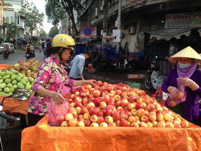 Táo Mỹ 40.000 đồng/kg ngập chợ Sài Gòn-1