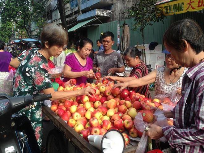 Táo Mỹ 40.000 đồng/kg ngập chợ Sài Gòn-2