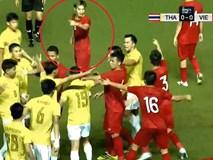 Văn Toàn lên tiếng sau tấm thẻ vàng oan ở trận thắng Thái Lan