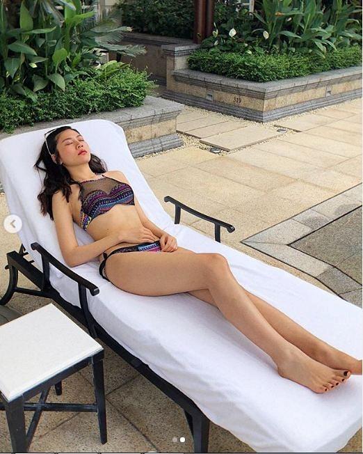 Diện bikini khoe dáng gọn sau sinh, Chúng Huyền Thanh để lộ vết rạn da thâm sì-6