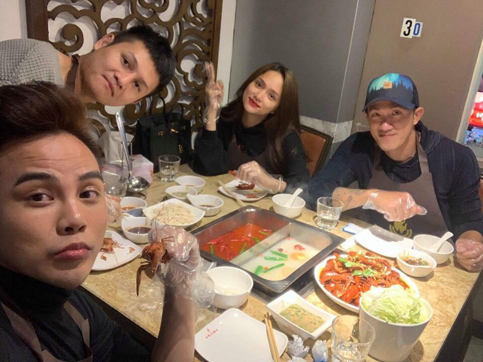 Hương Giang khoe ảnh ăn tối cùng Criss Lai, fan rần rần mong ngày tái hợp-3