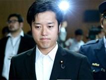 Uống 10 ly rượu rồi đòi sờ ngực phụ nữ, nghị sĩ Nhật điêu đứng, bị ép từ chức