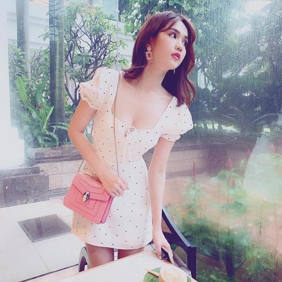 Sau loạt ồn ào về trang phục, Ngọc Trinh nhận mưa lời khen với đầm trắng nhẹ nhàng-3