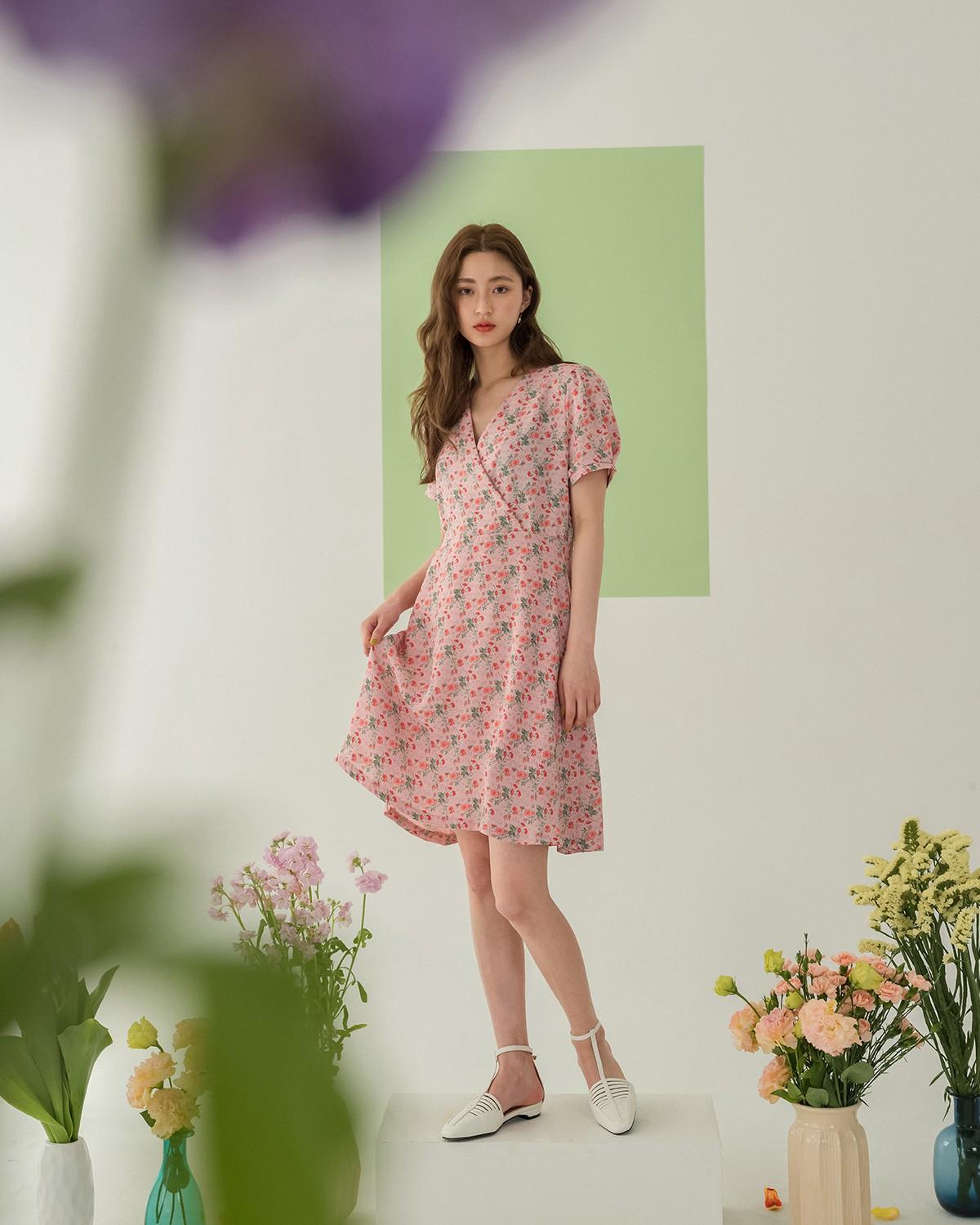 Váy hoa - item phủ sóng dày đặc mỗi mùa hè và 3 kiểu xinh đến nỗi bạn muốn rinh về hết cho tủ đồ-1