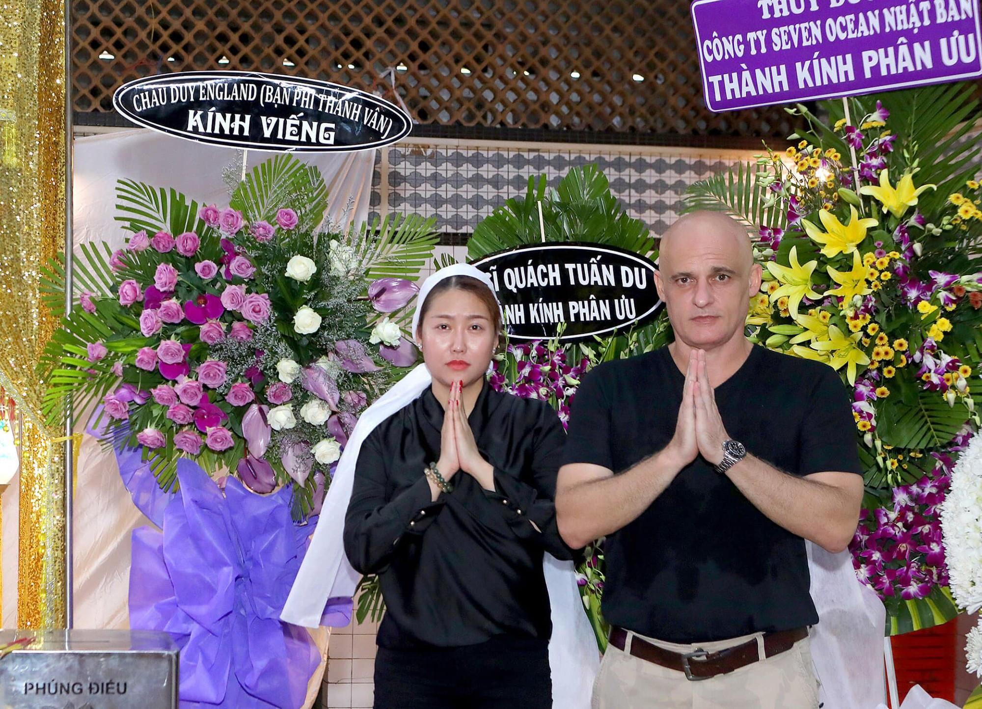 Đám tang bố ruột Phi Thanh Vân: Chồng đầu người Pháp đến viếng, chồng hai Bảo Duy vắng mặt-2