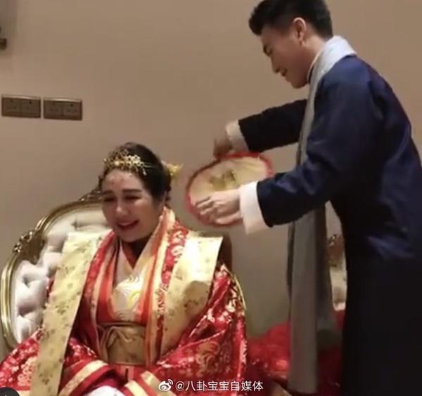 Choáng toàn tập với sính lễ vàng ròng la liệt do rể xịn Harvard tặng ái nữ trùm sòng bạc Macau-1
