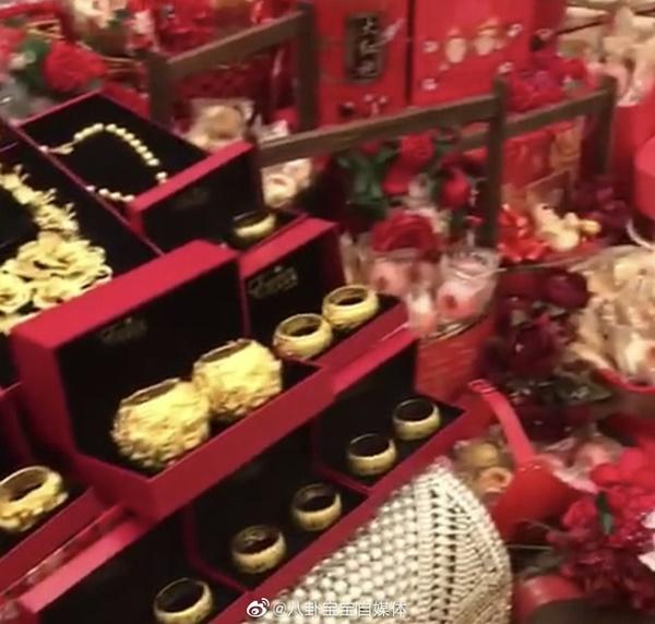 Choáng toàn tập với sính lễ vàng ròng la liệt do rể xịn Harvard tặng ái nữ trùm sòng bạc Macau-5