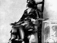Sự thật đằng sau bức ảnh tử tù ngồi trên ghế điện và câu chuyện khiến nhà tù thay đổi quy định thi hành án tử hình