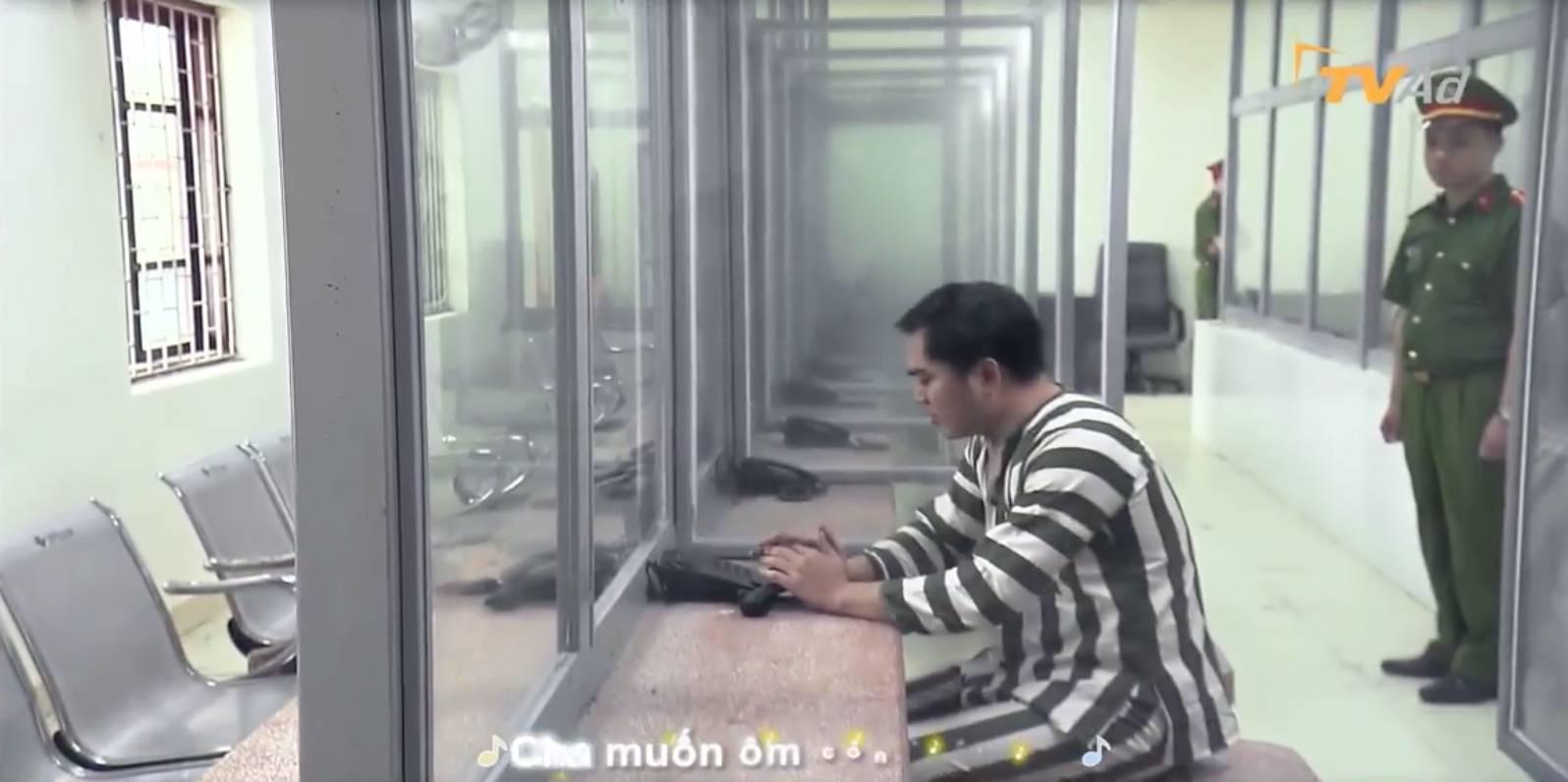 Hot: Hé lộ cảnh Khải Về nhà đi con đi tù, Huệ đến thăm nhưng vẫn phũ phàng-7