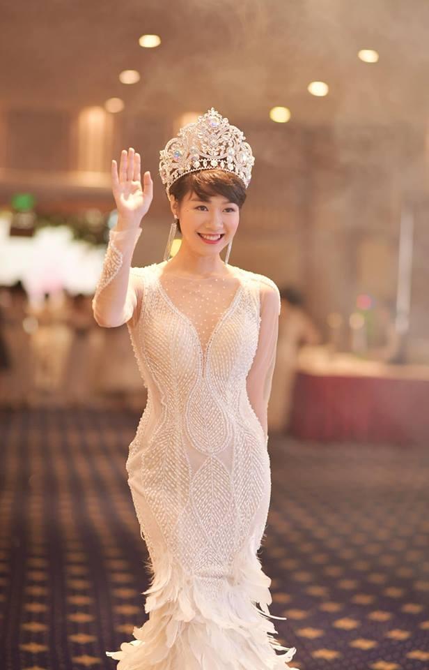 Tình địch của Thu Quỳnh Về nhà đi con hóa ra ngoài đời là Hoa hậu đại gia-9
