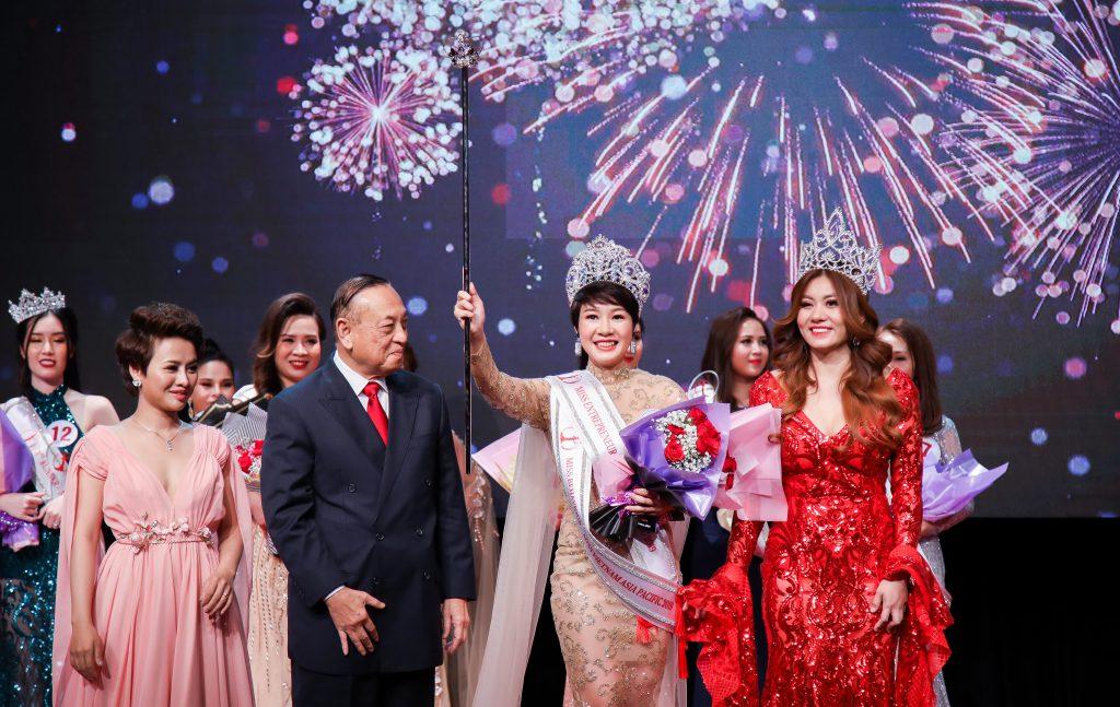 Tình địch của Thu Quỳnh Về nhà đi con hóa ra ngoài đời là Hoa hậu đại gia-10