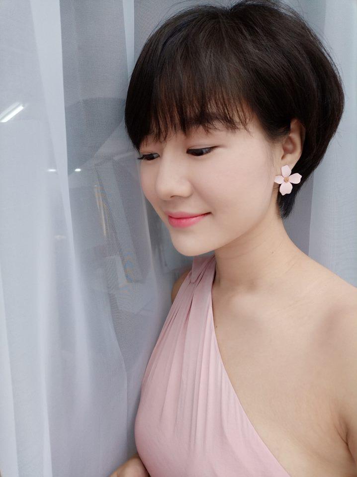 Tình địch của Thu Quỳnh Về nhà đi con hóa ra ngoài đời là Hoa hậu đại gia-15