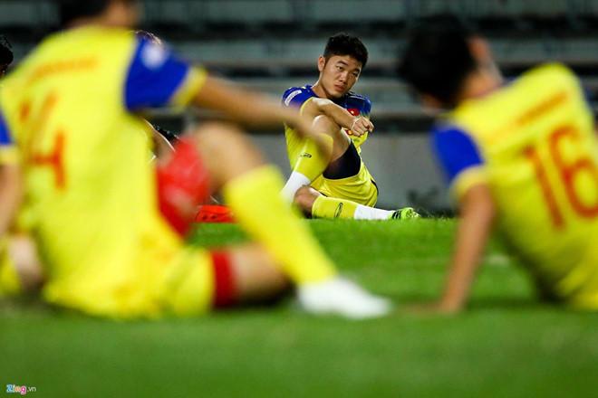 Công Phượng đá hỏng phạt đền, CĐV bật khóc khi Việt Nam bỏ lỡ chức vô địch Kings Cup trên đất Thái Lan-44