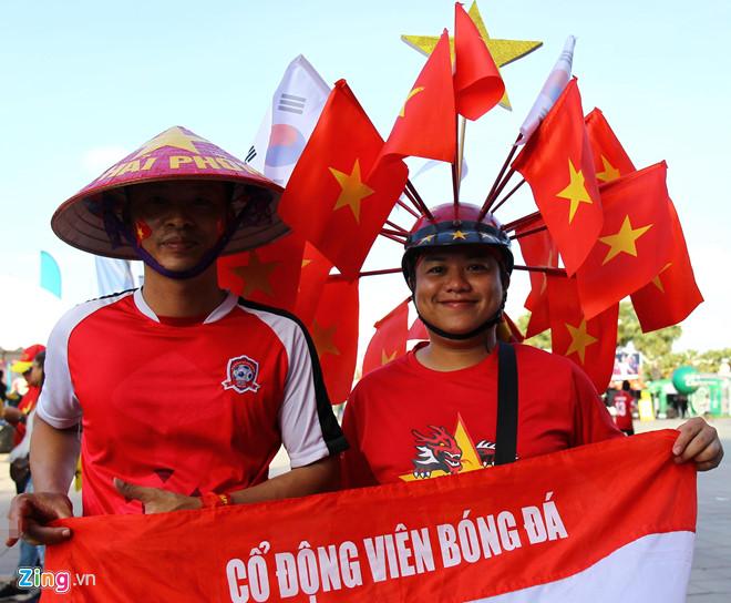 Công Phượng đá hỏng phạt đền, CĐV bật khóc khi Việt Nam bỏ lỡ chức vô địch Kings Cup trên đất Thái Lan-35