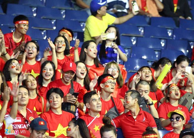 Công Phượng đá hỏng phạt đền, CĐV bật khóc khi Việt Nam bỏ lỡ chức vô địch Kings Cup trên đất Thái Lan-28