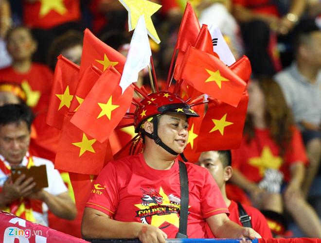 Công Phượng đá hỏng phạt đền, CĐV bật khóc khi Việt Nam bỏ lỡ chức vô địch Kings Cup trên đất Thái Lan-30