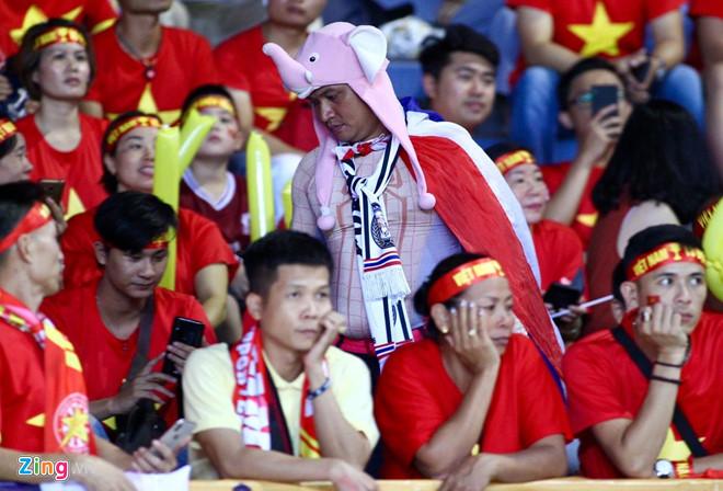 Công Phượng đá hỏng phạt đền, CĐV bật khóc khi Việt Nam bỏ lỡ chức vô địch Kings Cup trên đất Thái Lan-32