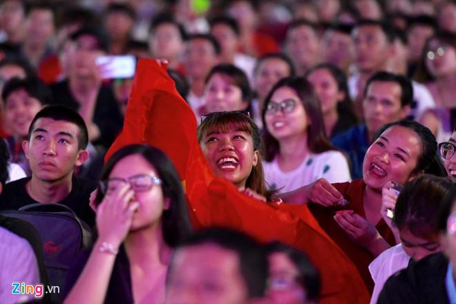 Công Phượng đá hỏng phạt đền, CĐV bật khóc khi Việt Nam bỏ lỡ chức vô địch Kings Cup trên đất Thái Lan-22