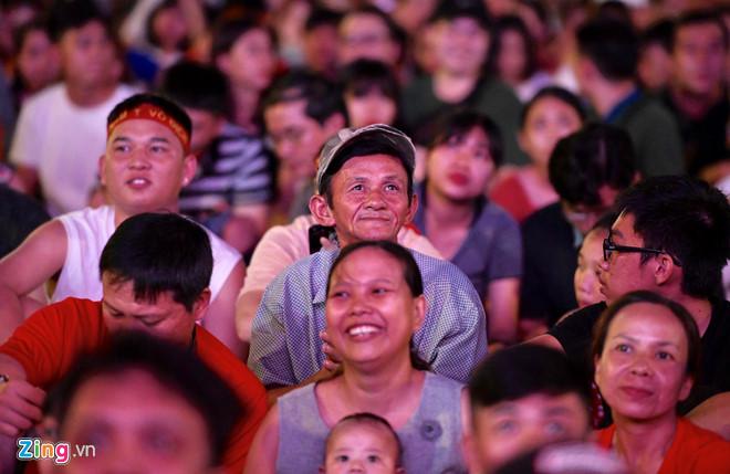 Công Phượng đá hỏng phạt đền, CĐV bật khóc khi Việt Nam bỏ lỡ chức vô địch Kings Cup trên đất Thái Lan-26