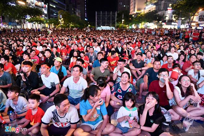 Công Phượng đá hỏng phạt đền, CĐV bật khóc khi Việt Nam bỏ lỡ chức vô địch Kings Cup trên đất Thái Lan-21