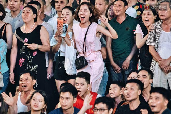 Công Phượng đá hỏng phạt đền, CĐV bật khóc khi Việt Nam bỏ lỡ chức vô địch Kings Cup trên đất Thái Lan-18