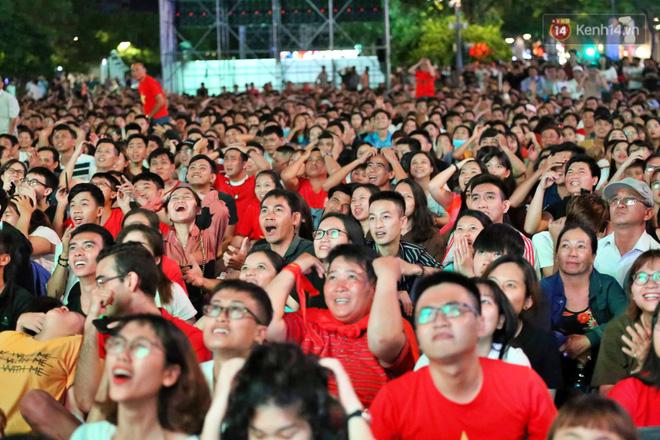 Công Phượng đá hỏng phạt đền, CĐV bật khóc khi Việt Nam bỏ lỡ chức vô địch Kings Cup trên đất Thái Lan-16