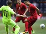 Đặng Văn Lâm bất lực trước cú sút xa ở chung kết Kings Cup-1