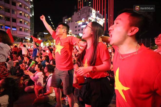 Công Phượng đá hỏng phạt đền, CĐV bật khóc khi Việt Nam bỏ lỡ chức vô địch Kings Cup trên đất Thái Lan-4