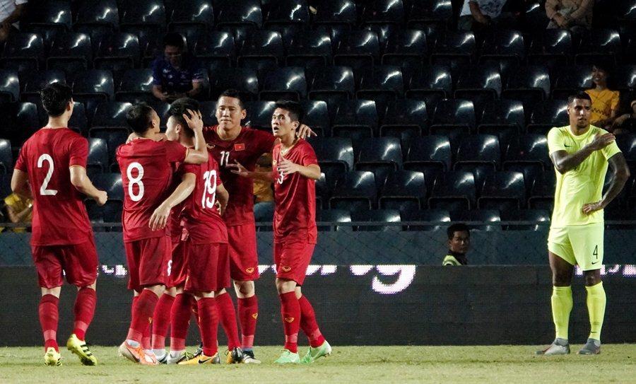 ĐT Việt Nam - ĐT Curacao: Công Phượng đá hỏng luân lưu, tuyển Việt Nam về nhì tại Kings Cup-7
